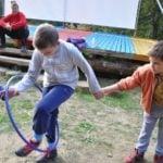 Бързият обръч - игра от програмата на www.DetskiLageri.com