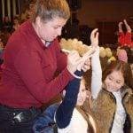 Малчугани щуряха в над 10 коледни партита с ADVENTURE TEAM