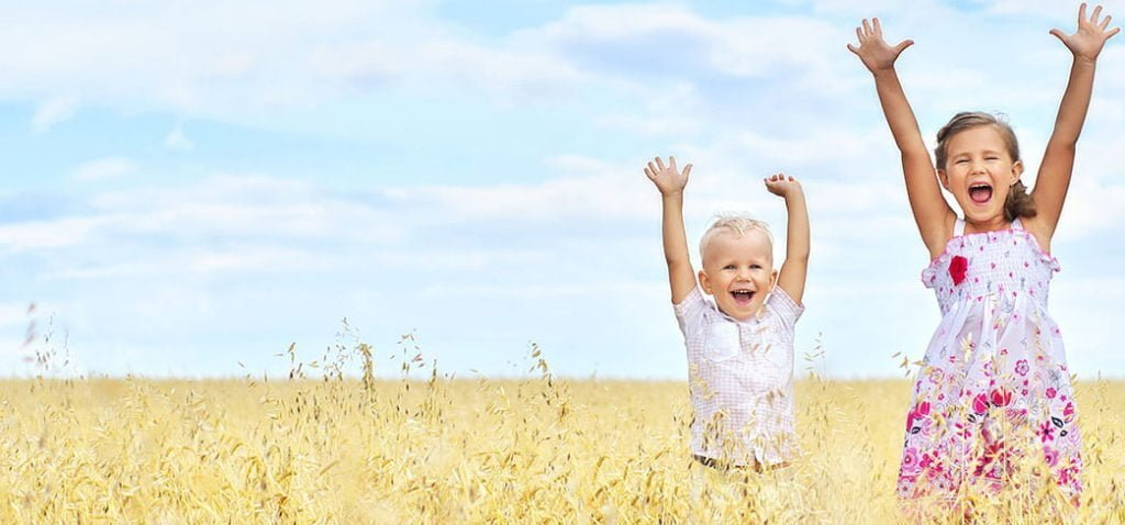 Щастливи деца - мисия на www.DetskiLageri.com